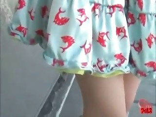 girl shitting panties